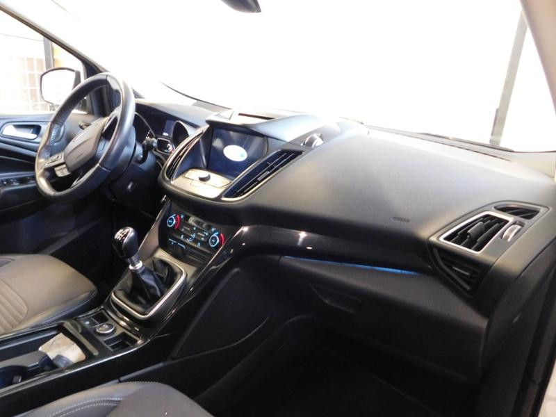 Ford Kuga 1.5 TDCi 120ch Stop&Start Titanium 4x2 Blanc occasion à Castres - photo n°8