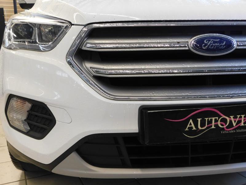 Ford Kuga 1.5 TDCi 120ch Stop&Start Titanium 4x2 Blanc occasion à Castres - photo n°5