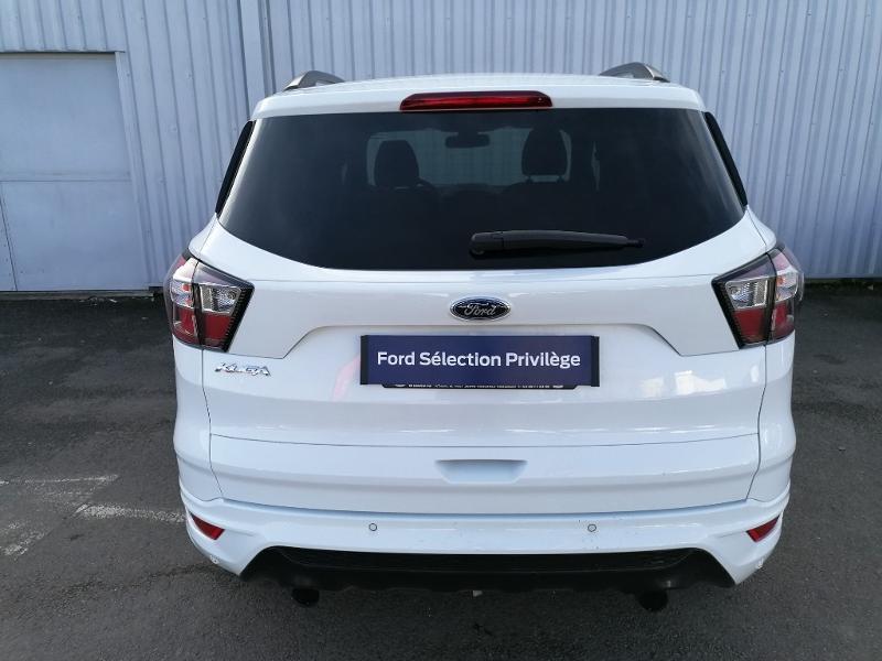 Ford Kuga 2.0 TDCi 150ch Stop&Start ST-Line 4x2 Blanc occasion à Varennes-Vauzelles - photo n°5