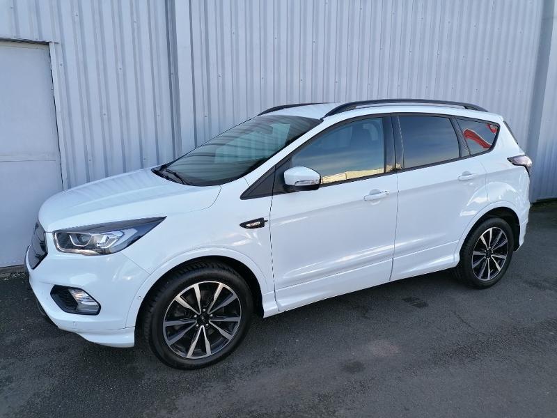 Ford Kuga 2.0 TDCi 150ch Stop&Start ST-Line 4x2 Blanc occasion à Varennes-Vauzelles