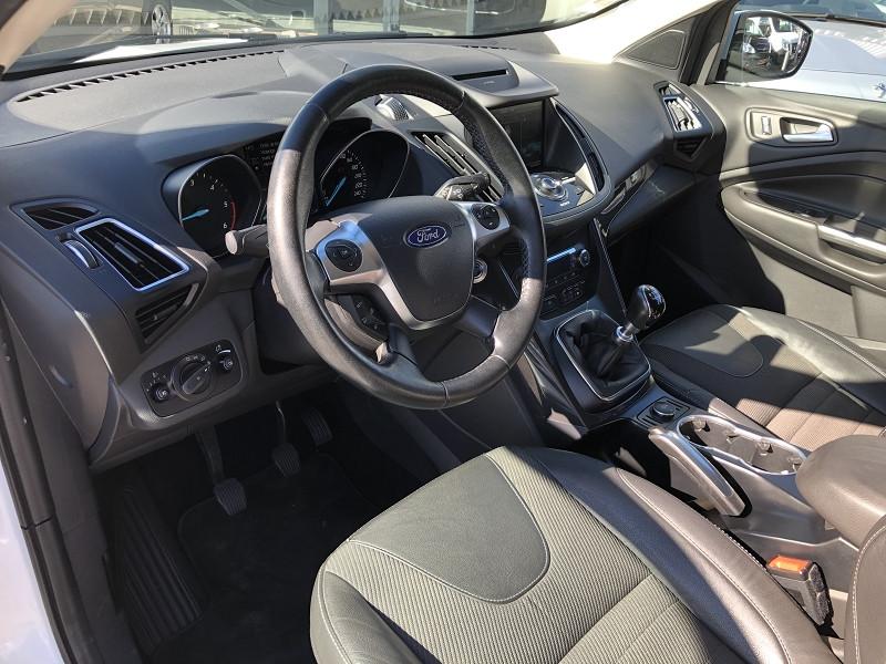 Ford Kuga 2.0 TDCI 150CH STOP&START TITANIUM 4X2 Blanc occasion à TOULOUSE - photo n°3