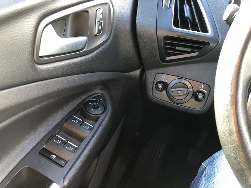Ford Kuga 2.0 TDCI 150CH STOP&START TITANIUM 4X2 Blanc occasion à TOULOUSE - photo n°14