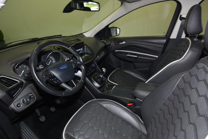 Ford Kuga 2.0 TDCI 150CH STOP&START VIGNALE 4X2 Noir occasion à Quimper - photo n°3