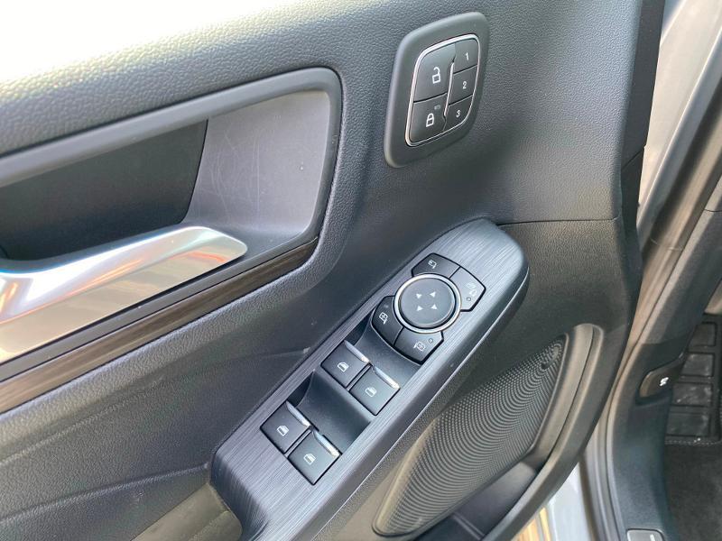 Ford Kuga 2.5 Duratec 225ch PowerSplit PHEV Vignale e-CVT 8cv Gris occasion à Barberey-Saint-Sulpice - photo n°17