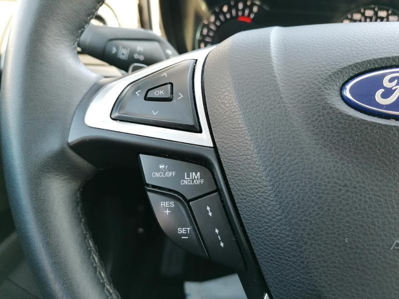 Ford Mondeo 2.0 TDCi 150ch Titanium PowerShift 5p Euro6.2 Blanc occasion à Fleury-les-Aubrais - photo n°12