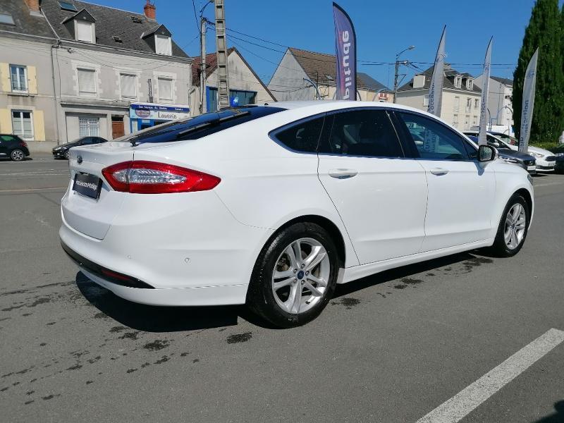 Ford Mondeo 2.0 TDCi 150ch Titanium PowerShift 5p Euro6.2 Blanc occasion à Fleury-les-Aubrais - photo n°4