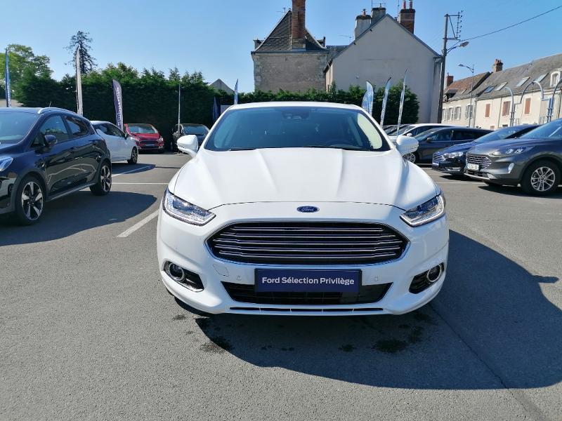 Ford Mondeo 2.0 TDCi 150ch Titanium PowerShift 5p Euro6.2 Blanc occasion à Fleury-les-Aubrais - photo n°2