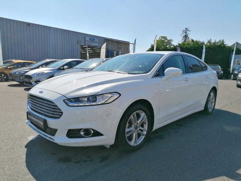 Ford Mondeo 2.0 TDCi 150ch Titanium PowerShift 5p Euro6.2 Blanc occasion à Fleury-les-Aubrais