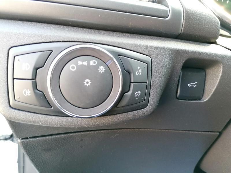 Ford Mondeo 2.0 TDCi 150ch Titanium PowerShift 5p Euro6.2 Blanc occasion à Fleury-les-Aubrais - photo n°17