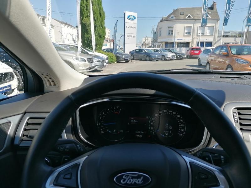 Ford Mondeo 2.0 TDCi 150ch Titanium PowerShift 5p Euro6.2 Blanc occasion à Fleury-les-Aubrais - photo n°11