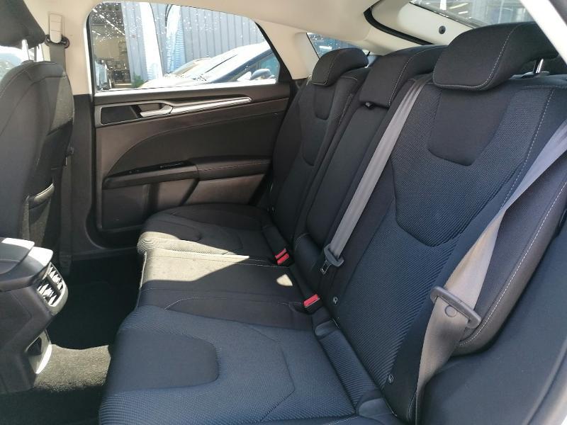 Ford Mondeo 2.0 TDCi 150ch Titanium PowerShift 5p Euro6.2 Blanc occasion à Fleury-les-Aubrais - photo n°14