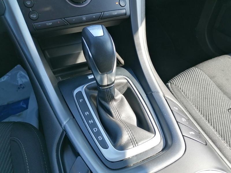 Ford Mondeo 2.0 TDCi 150ch Titanium PowerShift 5p Euro6.2 Blanc occasion à Fleury-les-Aubrais - photo n°10