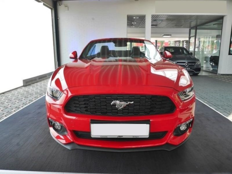 Ford Mustang 2.3 eco Boost Cabriolet Rouge occasion à Beaupuy