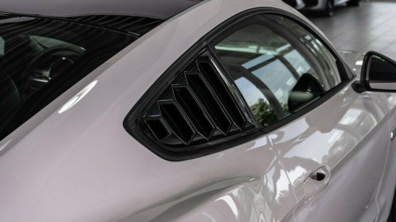 Ford Mustang 5.0 V8 421CH GT BVA6 Blanc occasion à Villenave-d'Ornon - photo n°7