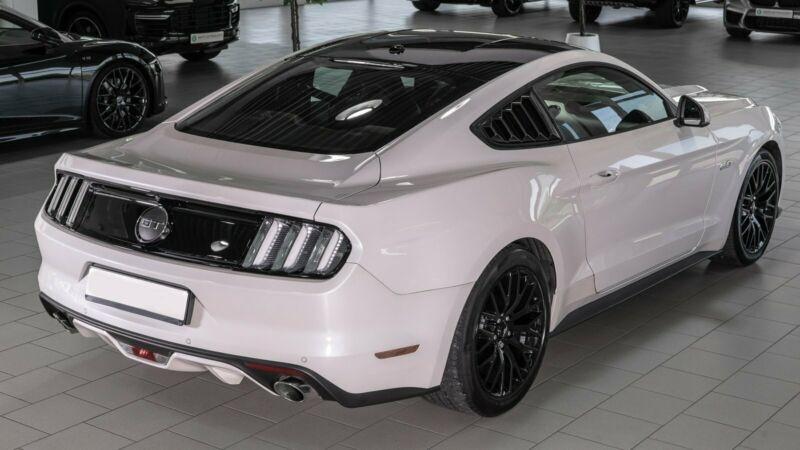 Ford Mustang 5.0 V8 421CH GT BVA6 Blanc occasion à Villenave-d'Ornon - photo n°6