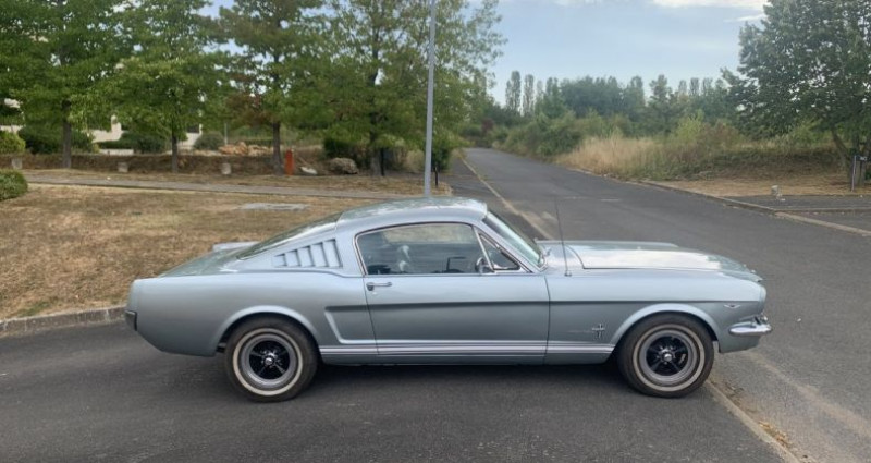 Ford Mustang Fastback Gris occasion à Toussus-le-noble - photo n°3