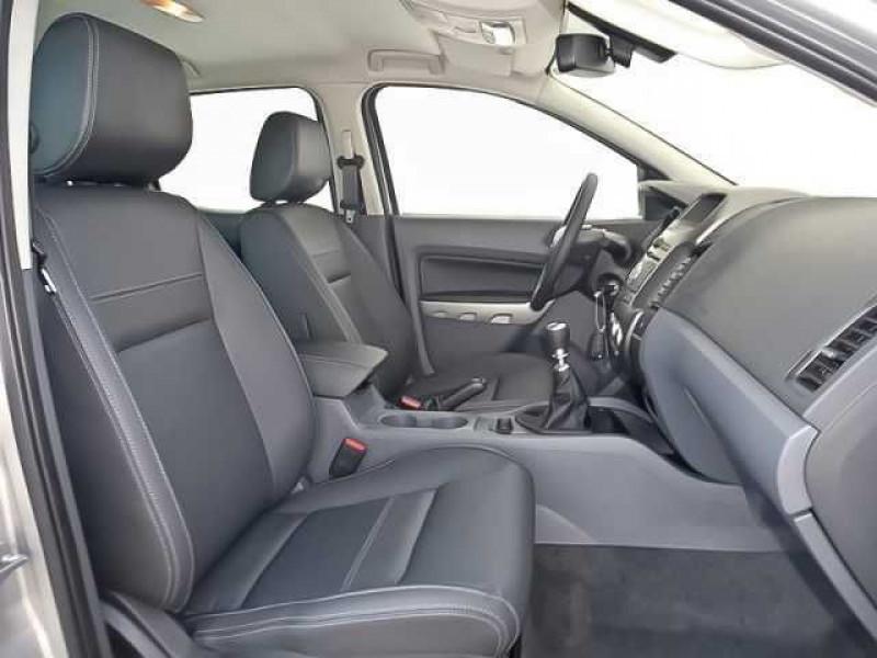 Ford Ranger 3.2 TDCI 200 DOUBLE CABINE LIMITED 4X4 Gris occasion à Quimper - photo n°2