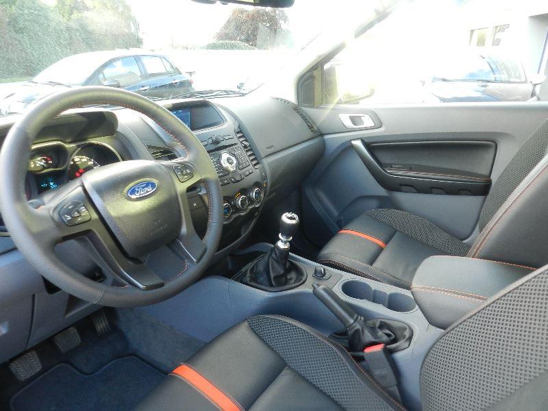 Ford Ranger 3.2 TDCI 200 SUPER CAB WILDTRAK 4X4 Blanc occasion à Quimper - photo n°4