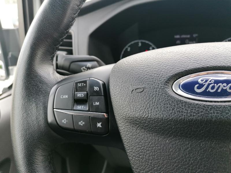 Ford Transit 300 L1H1 2.0 TDCi 130 Cabine Approfondie Limited Blanc occasion à Fleury-les-Aubrais - photo n°12