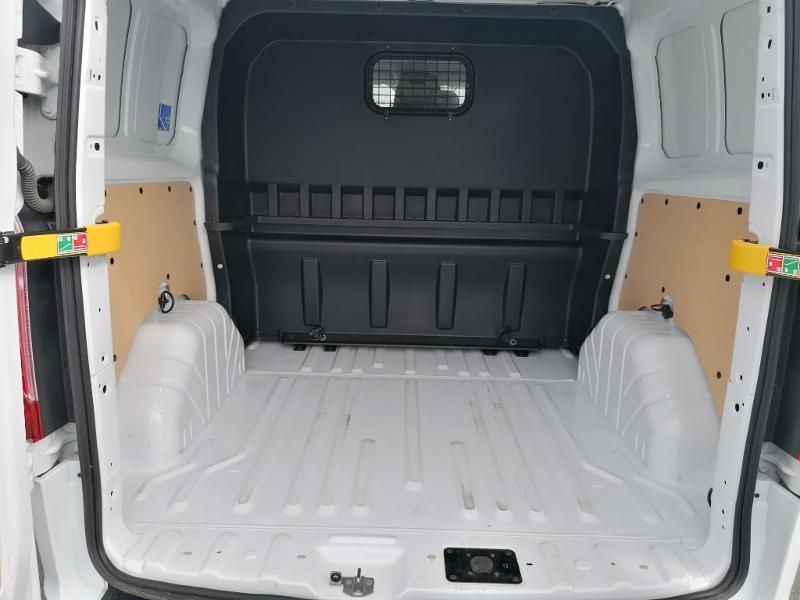 Ford Transit 300 L1H1 2.0 TDCi 130 Cabine Approfondie Limited Blanc occasion à Fleury-les-Aubrais - photo n°15