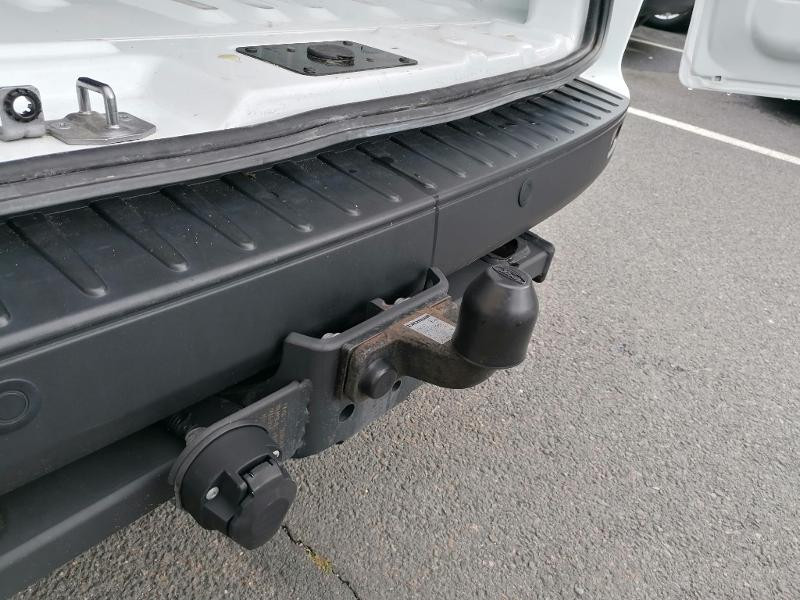 Ford Transit 300 L1H1 2.0 TDCi 130 Cabine Approfondie Limited Blanc occasion à Fleury-les-Aubrais - photo n°16