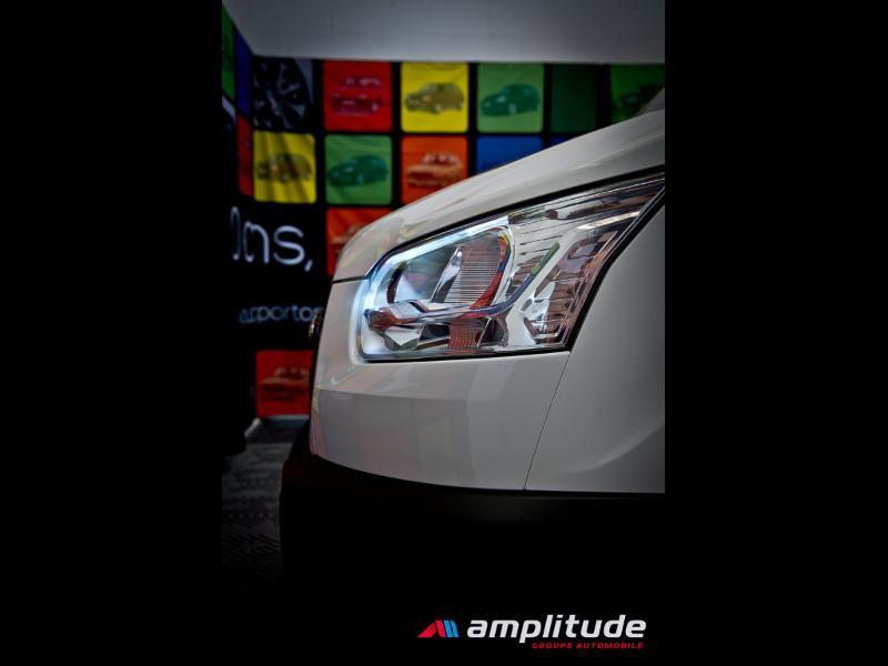 Ford Transit P350 L2H2 2.0 TDCi 130ch Trend Business Blanc occasion à Dijon - photo n°16