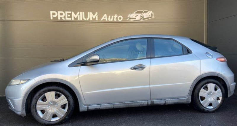 Honda Civic VIII 5p 1.4 i 83cv i-shift Boîte auto Gris occasion à Francin - photo n°3