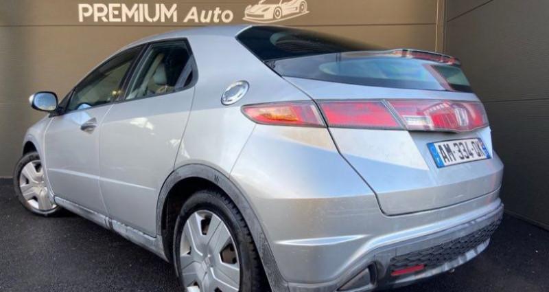 Honda Civic VIII 5p 1.4 i 83cv i-shift Boîte auto Gris occasion à Francin - photo n°2