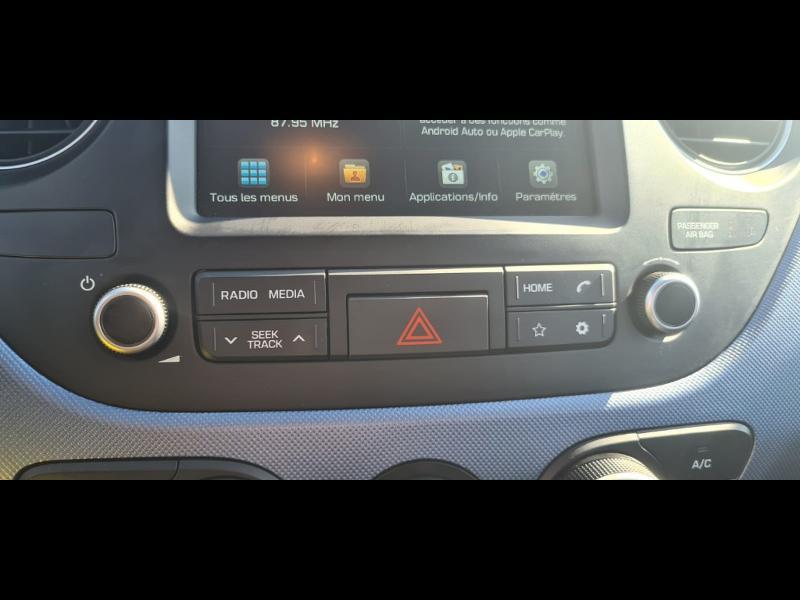 Hyundai i10 1.0 66ch Intuitive Euro6d-Temp Noir occasion à Corbeil-Essonnes - photo n°11