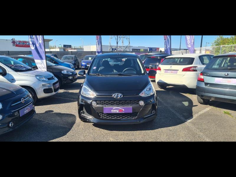 Hyundai i10 1.0 66ch Intuitive Euro6d-Temp Noir occasion à Corbeil-Essonnes - photo n°2