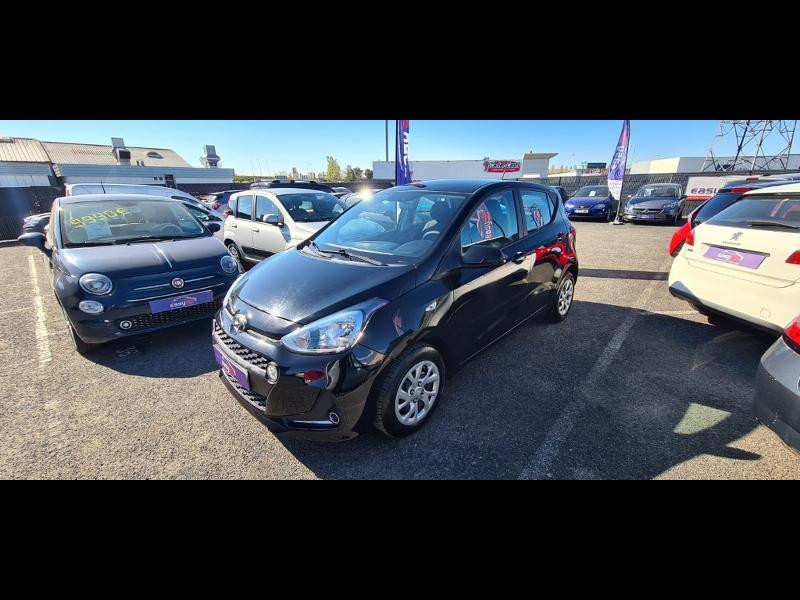 Hyundai i10 1.0 66ch Intuitive Euro6d-Temp Noir occasion à Corbeil-Essonnes - photo n°3