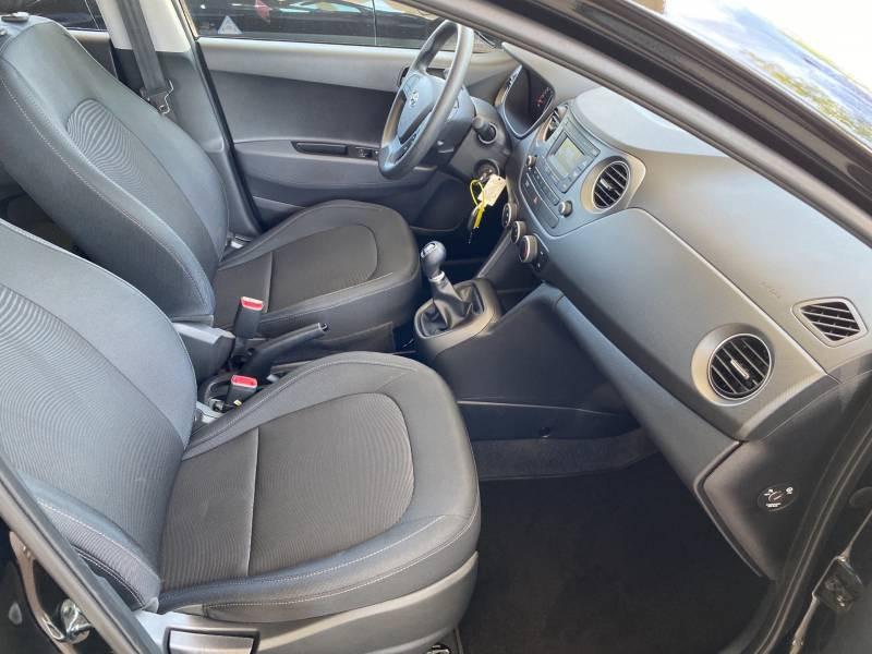 Hyundai i10 1.2 87 BVM5 Intuitive Noir occasion à Brive-la-Gaillarde - photo n°9