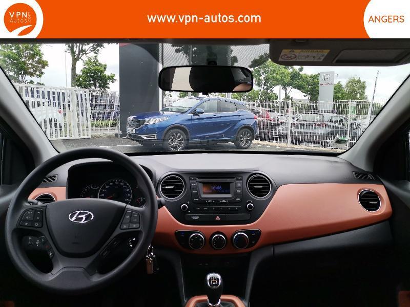 Hyundai i10 1.2 87ch Intuitive Gris occasion à Angers - photo n°3