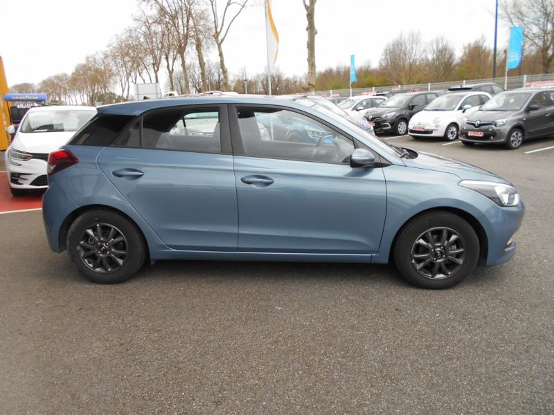 Hyundai i20 1.2 75 Initia Bleu occasion à Bessières - photo n°7