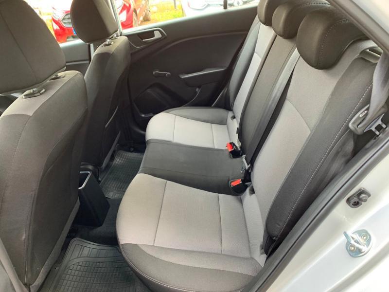 Hyundai i20 1.2 75ch Initia Gris occasion à Saint-Doulchard - photo n°7