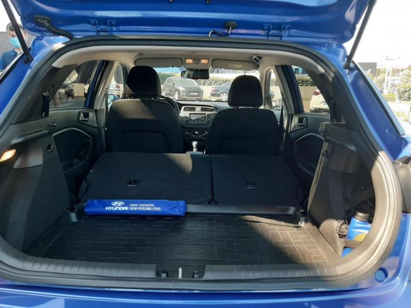 Hyundai i20 1.2 84 Intuitive Bleu occasion à Tourville-la-Rivière - photo n°8