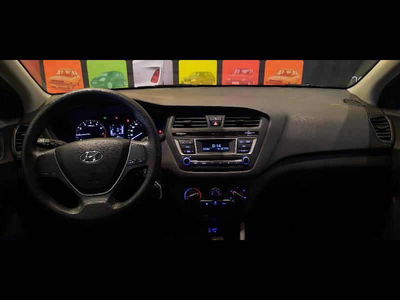 Hyundai i20 1.2 84 Intuitive Blanc occasion à Dijon - photo n°14