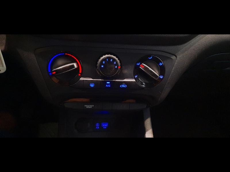 Hyundai i20 1.2 84 Intuitive Blanc occasion à Dijon - photo n°11