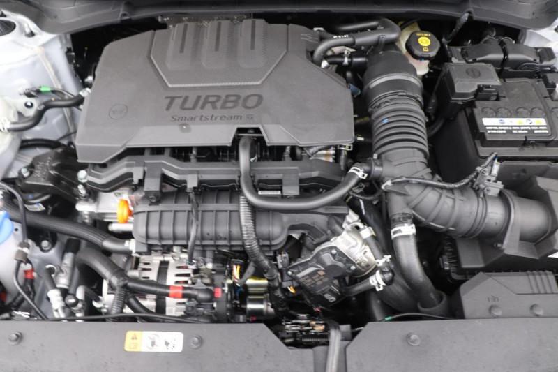 Hyundai i20 T-GDI MILD HYBRID 48V ESSENTIAL ECL Gris occasion à Seclin - photo n°13
