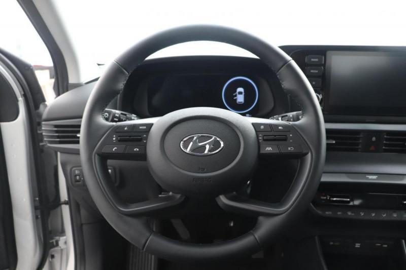 Hyundai i20 T-GDI MILD HYBRID 48V ESSENTIAL ECL Gris occasion à Seclin - photo n°10