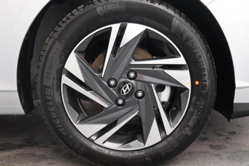 Hyundai i20 T-GDI MILD HYBRID 48V ESSENTIAL ECL Gris occasion à Seclin - photo n°8