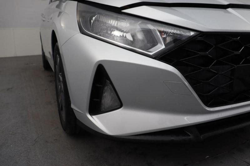 Hyundai i20 T-GDI MILD HYBRID 48V ESSENTIAL ECL Gris occasion à Seclin - photo n°9
