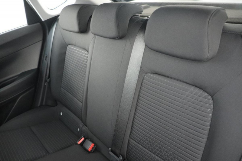 Hyundai i20 T-GDI MILD HYBRID 48V ESSENTIAL ECL Noir occasion à Semécourt - photo n°6