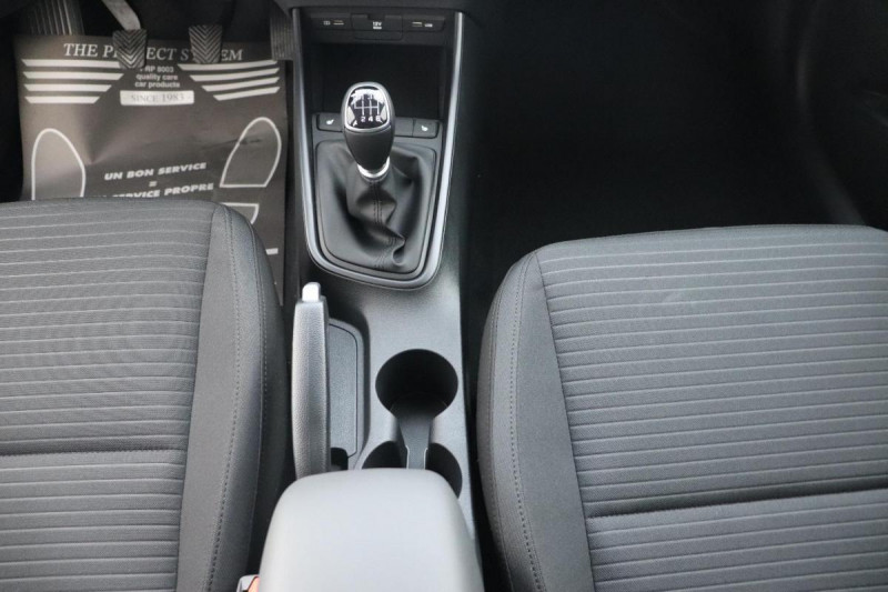 Hyundai i20 T-GDI MILD HYBRID 48V ESSENTIAL ECL Noir occasion à Semécourt - photo n°11