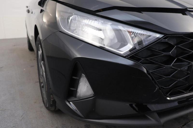 Hyundai i20 T-GDI MILD HYBRID 48V ESSENTIAL ECL Noir occasion à Semécourt - photo n°8