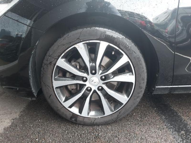 Hyundai i30 SW 1.6 CRDi 136ch Creative Noir occasion à Cesson-Sévigné - photo n°9