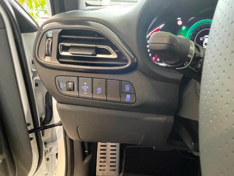 Hyundai i30 1.5 T-GDi 160ch N Line DCT-7 hybrid Blanc occasion à Muret - photo n°15
