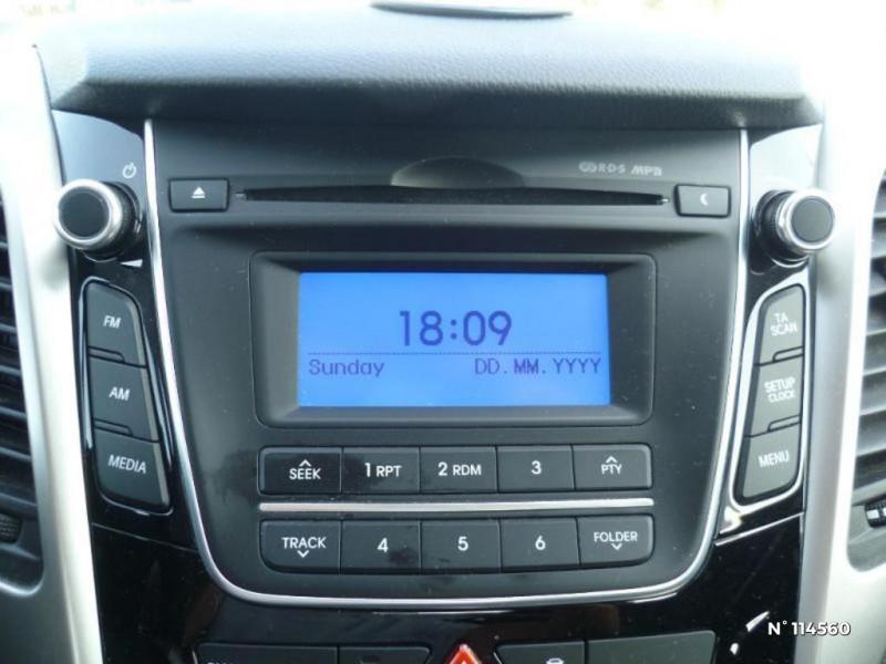 Hyundai i30 I30 1.6 CRDI 110CH BLUE DRIVE GO! 5P Bleu occasion à Mareuil-lès-Meaux - photo n°8