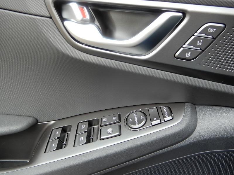 Hyundai Ioniq Plug-in 141ch Executive Noir occasion à CHAUMONT - photo n°5