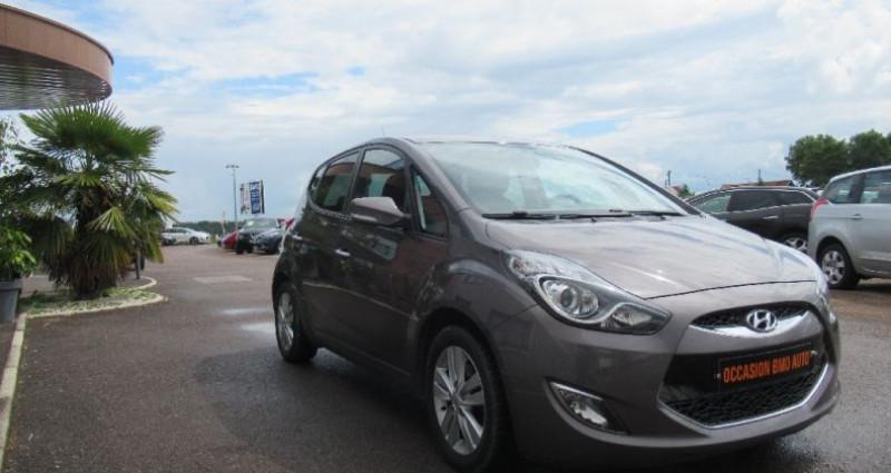 Hyundai IX20 1.6 CRDi 115 Blue Drive Pack Business Gris occasion à Saint Parres Aux Tertres - photo n°2